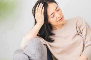 woman with perimenopause symptoms