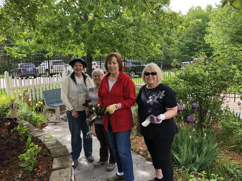 Volunteers Tending To The OSF St. Francis Hospital Serenity Garden, From  Left To Right U2013 Greta Arntson, Dianne Hoffman, Sue Wanic, And Marlene Nelsen
